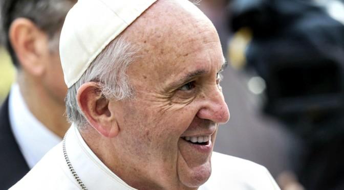 La fiamma accesa ad Assisi illuminerà il Giubileo: insieme per un mondo migliore