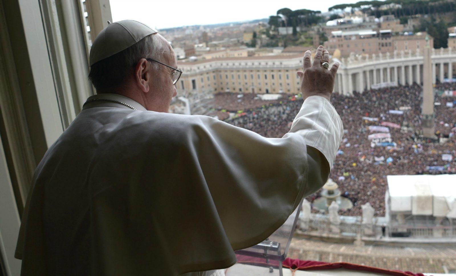 Francesco: il dolore per la Turchia e i tre sguardi di Gesù