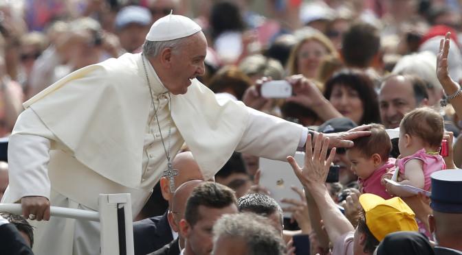 Papa Francesco: Senza donarsi e perdonarsi l'amore non dura!