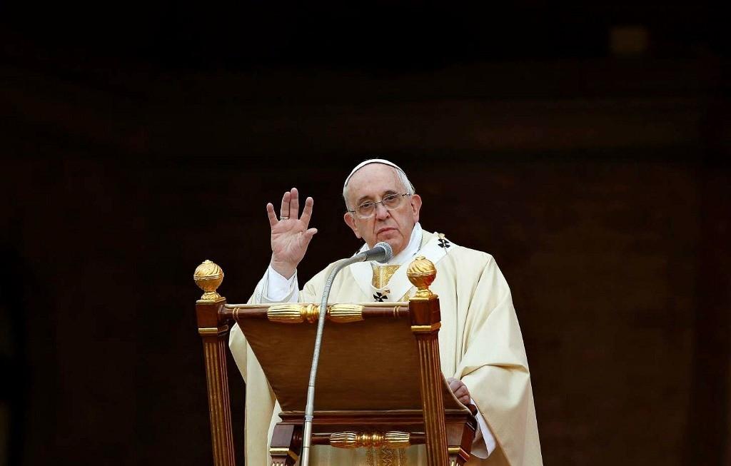 Papa Francesco: La via della santità è difficile, ma chi la percorre trova la felicità