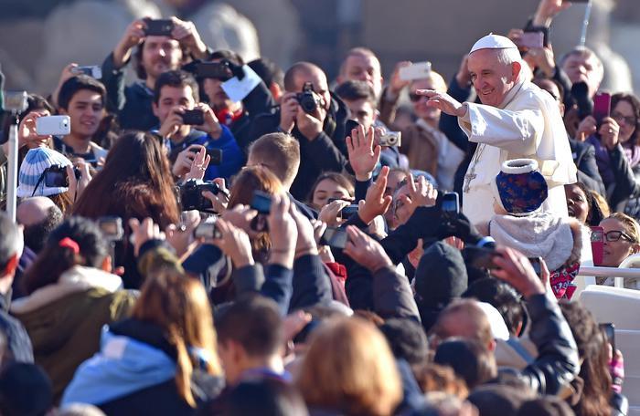 """Papa Francesco: """"Giovane, cosa vuoi fare della tua vita?"""""""