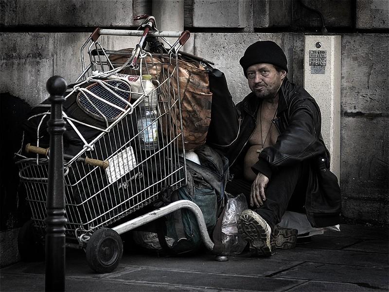 La Porta Santa da varcare? Ospitare a pranzo un povero.