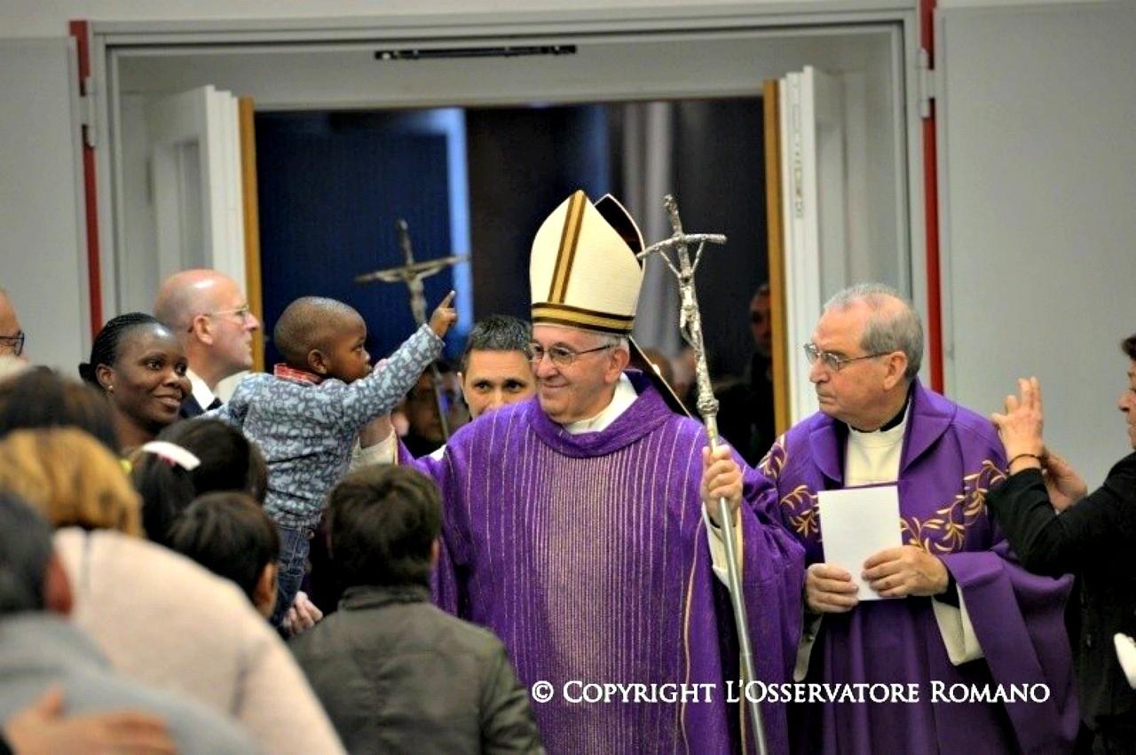 Papa Francesco: Cerchi Dio? E' nascosto tra gli scartati!