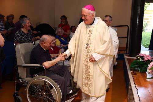 Mons. Nosiglia: disabili, una rete di famiglie per promuovere la solidarietà