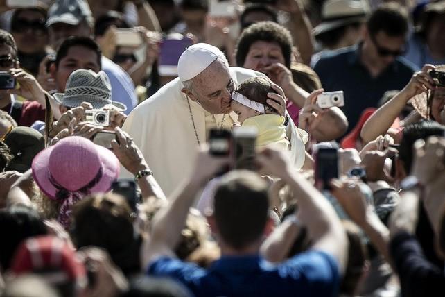 Papa Francesco: La Porta è Gesù e Gesù è gratis!