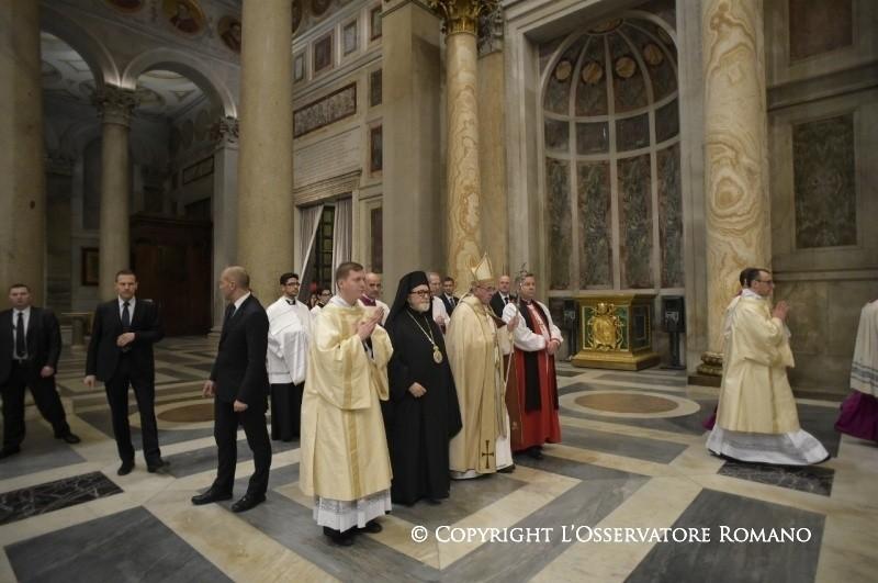 L'unità si fa camminando. La richiesta di perdono di Papa Francesco
