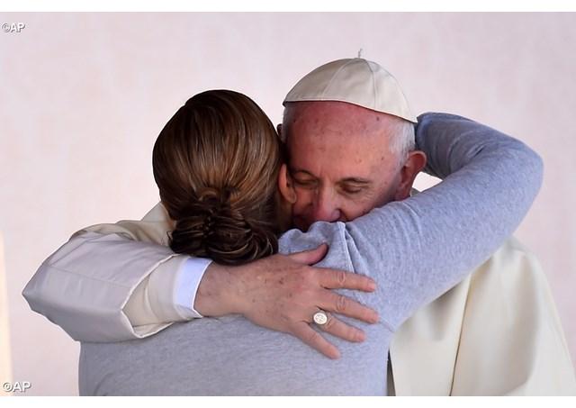 Chi ha sperimentato l'inferno può diventare un profeta nella società. Il Papa in carcere