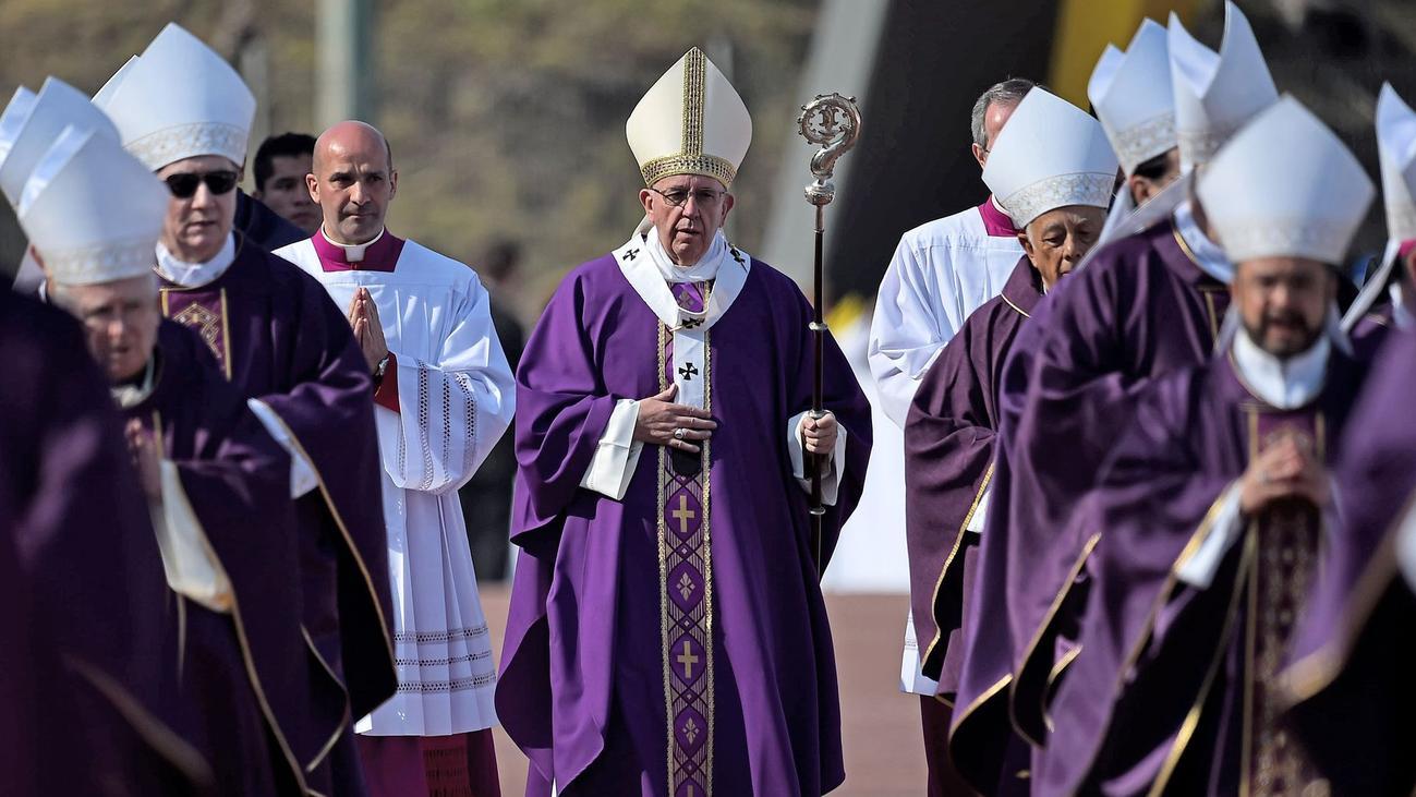 Il Papa ai religiosi: non rassegnatevi davanti al crimine!