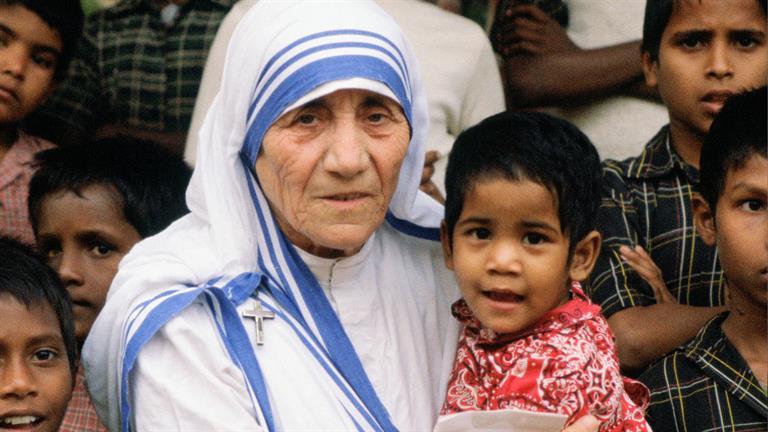 """Madre Teresa, la """"piccola matita tra le mani di Dio"""", santa il 4 settembre"""