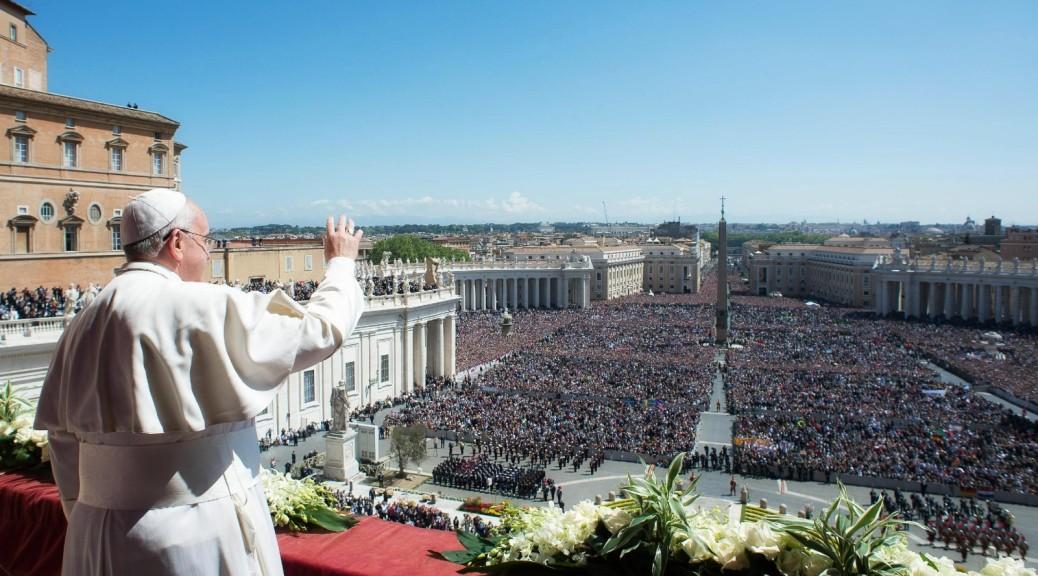 Urbi et Orbi. L'abbraccio consolatore di Papa Francesco avvolge il mondo.