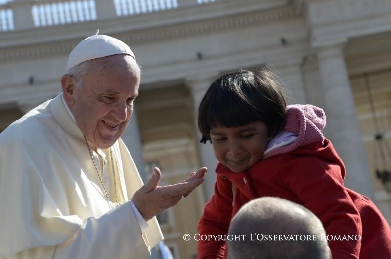 Papa Francesco, 99 pecore... e il Pastore che non sta chiuso nell'ovile