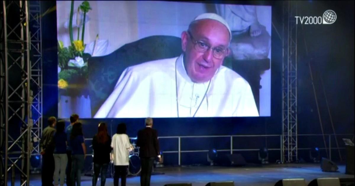Il Papa ai giovani in diretta TV alla GMG: fate ponti non muri!