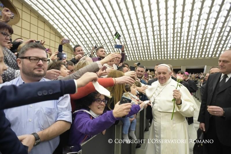 Il Papa: Fidarsi di Dio, senza condizioni.