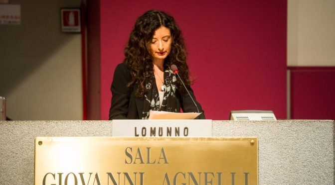 Carità e Media. Umanità e passione nella relazione introduttiva di Marina Lomunno