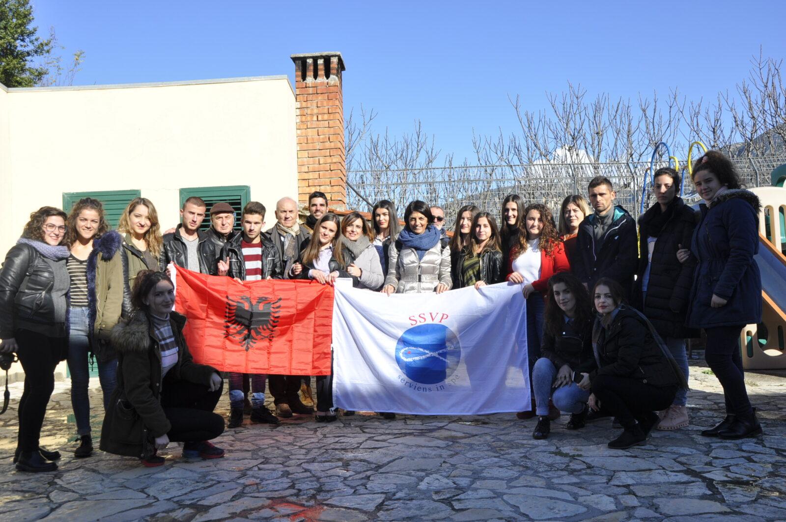 Società di San Vincenzo De Paoli: parte dall'Italia la 151ma bandierina. Sventolerà in Albania.