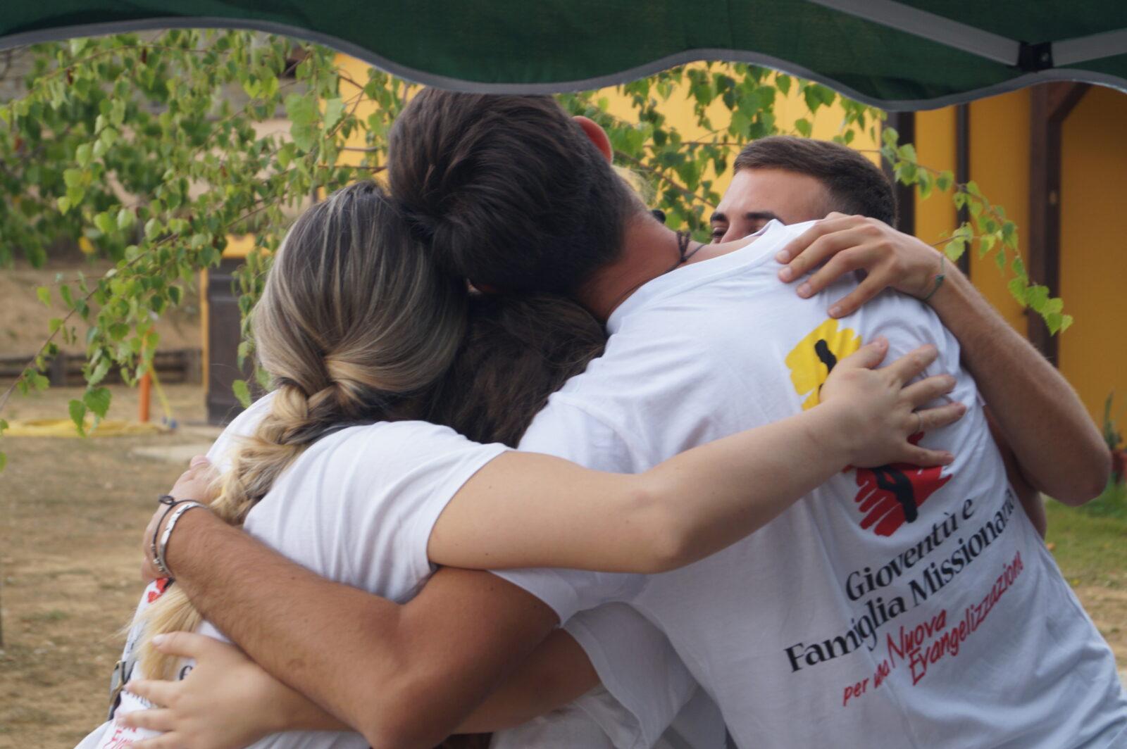 Studenti in missione per portare gioia e speranza