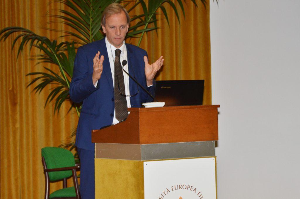 il Prof. Alberto Gambino, Pro-Rettore dell'Università Europea di Roma